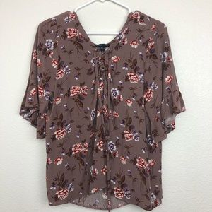 American Eagle floral tie front blouse